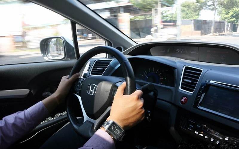 Để nâng hạng bằng lái xe hạng C bạn phải có từ 3 năm hành nghề