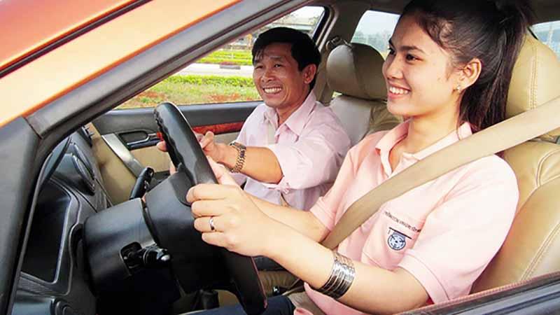 Bổ túc lái xe nâng cao trình độ
