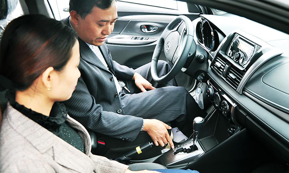 Hướng dẫn kỹ thuật lái xe số sàn cho người mới