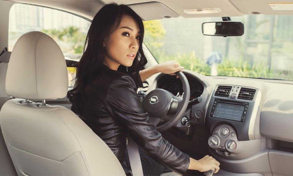 Lùi và quay đầu xe an toàn