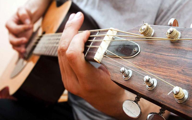 khoa-hoc-guitar-tot-nhat-cho-nguoi-moi